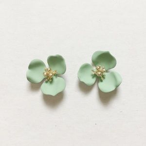 Jewelry - New DOGWOOD Matte Mint Posts